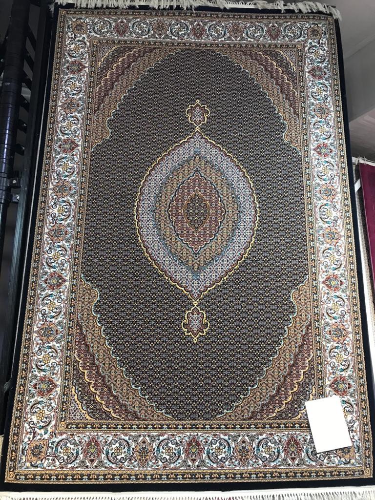 فرش مهستان طرح ریز ماهی زمینه سورمه ای
